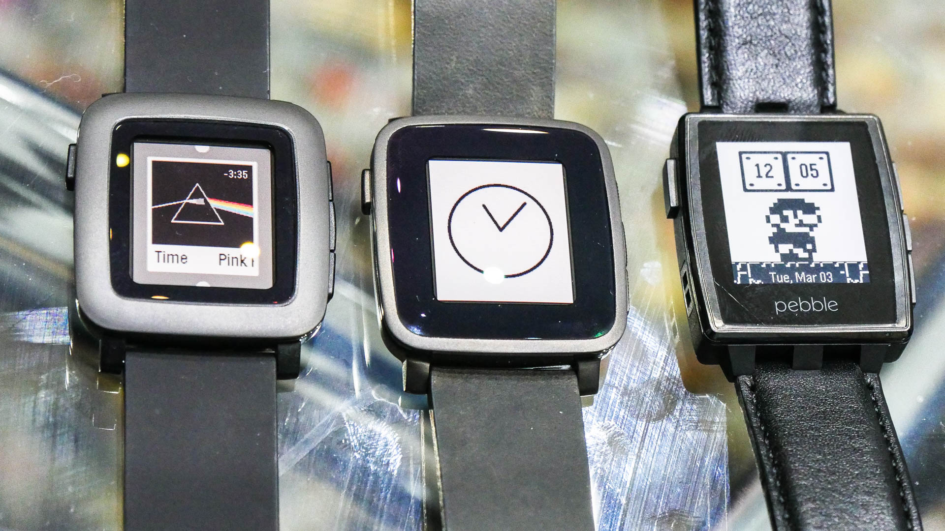 A Smartwatch With Good Looking-Pebble Time Steel
