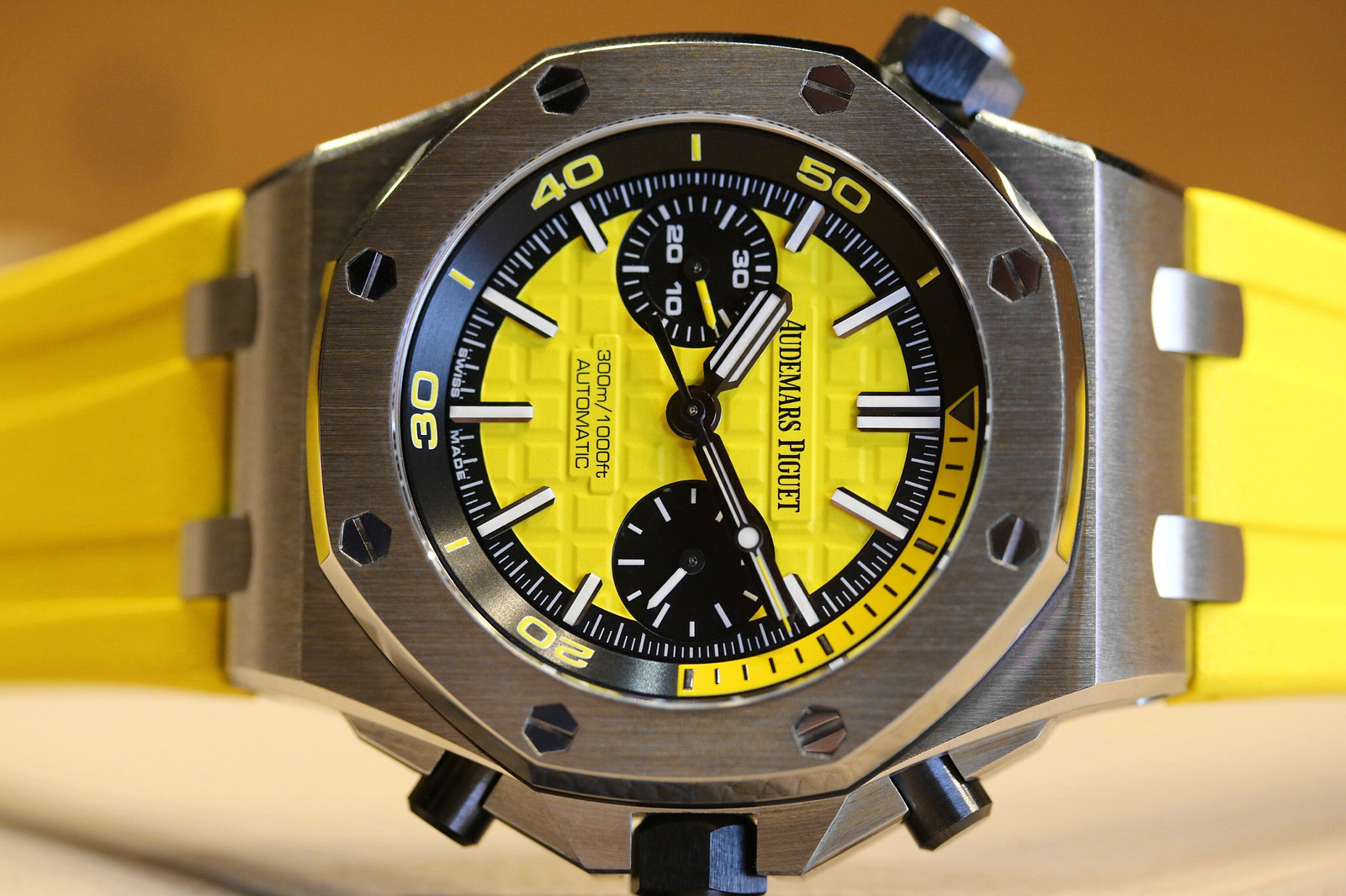 Side of Audemars Piguet Royal Oak Offshore Diver Chronograph